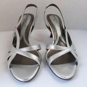Naturlizer N5 Comfort Prissy Silver Heels 6 N